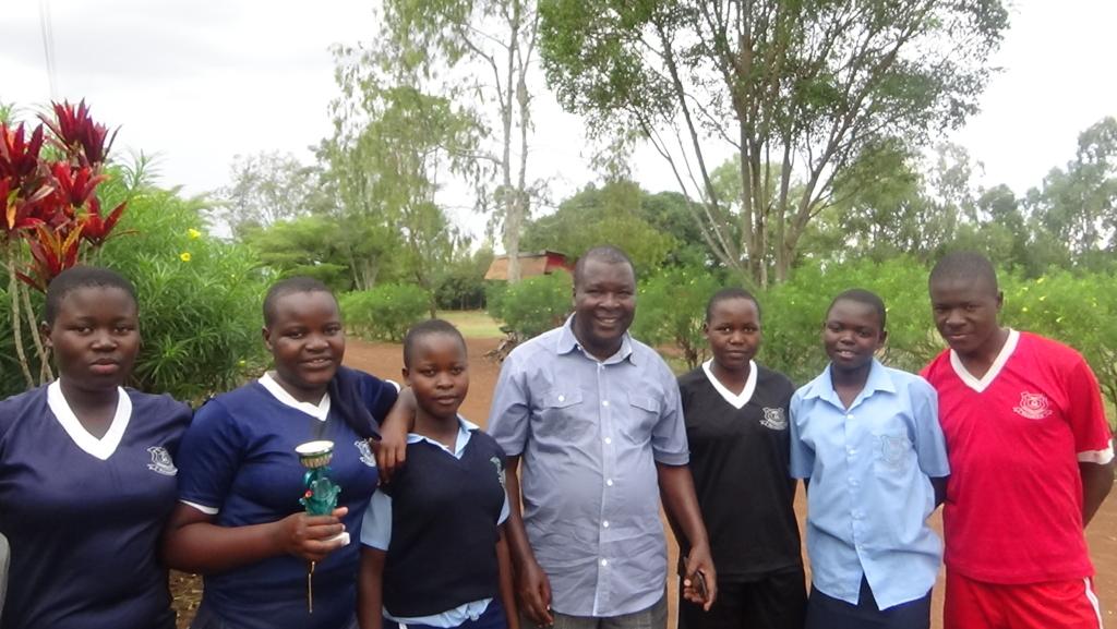Image of STARS Children Africa high school students in Kenya